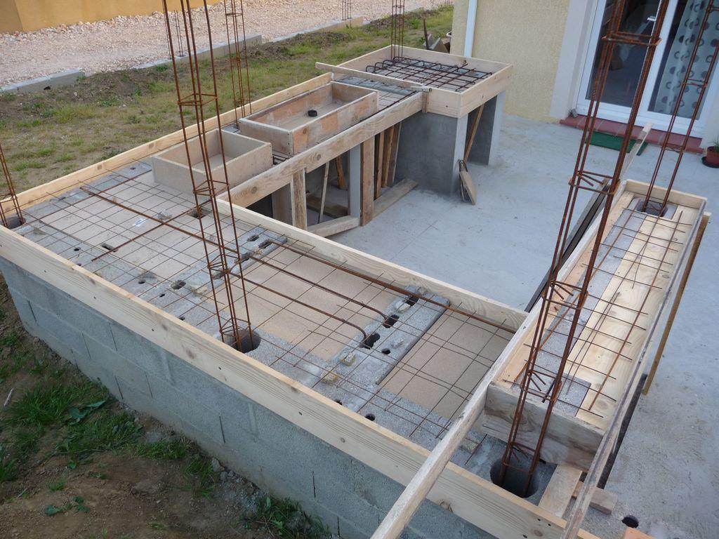 reprise des travaux de la terrasse cuisine d 39 t coffrage et coulage des dossiers du coin. Black Bedroom Furniture Sets. Home Design Ideas